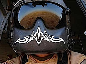 The reflection of the sand in the deert is unblievable, this is what you see in your mates visor.