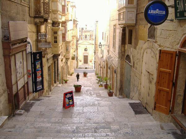 THE INFAMOUS STREET IN MALTA THAT EVERY MATELOT HAS SPENT PART OF HIS MISS SPENT YOUTH IN.